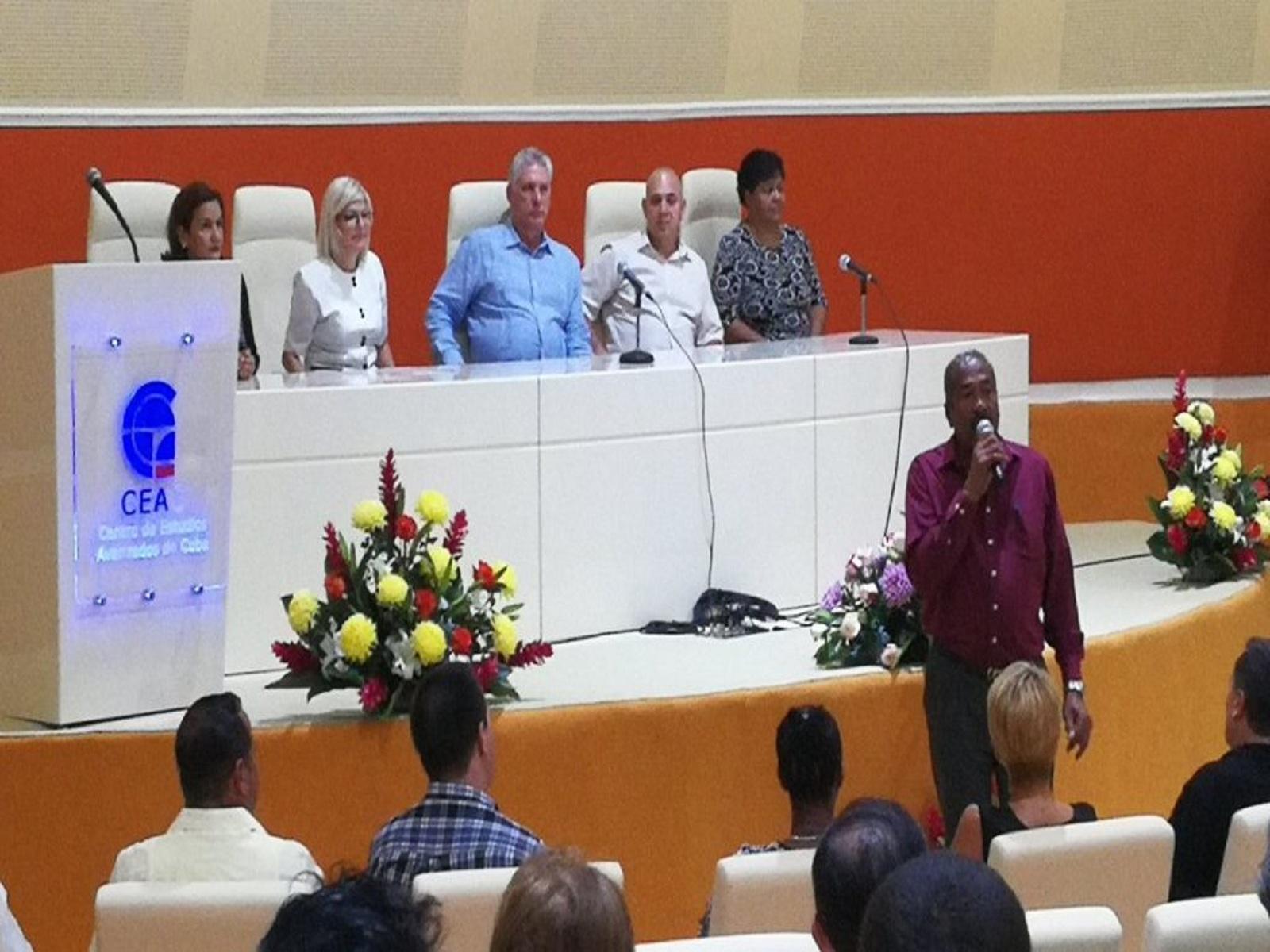 Presidente cubano inaugura el Centro de Estudios Avanzados de Cuba