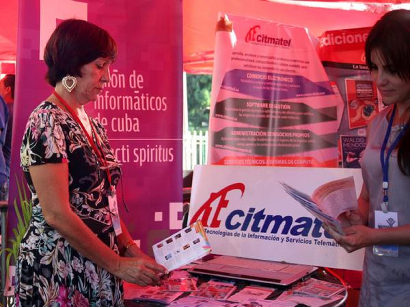 Múltiples opciones en la Feria Tecnológica La Guayabera 5.0
