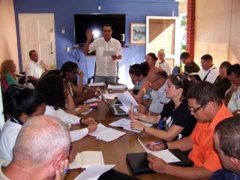 El Delegado del Mintur en Cienfuegos explicó a la prensa, particularidades sobre el venidero Turnat 2019 a celebrarse acá. /Foto: Efraín Cedeño