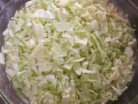 uedes preparar col u otra hortaliza a la vinagreta y te darás cuenta de que comer sin sal no sabe tan mal (Cocinando con Lola García)