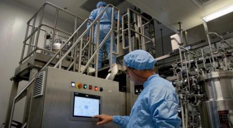 El grupo empresarial BioCubaFarma en la lucha contra la Covid-19. Foto: Ricardo López Hevia